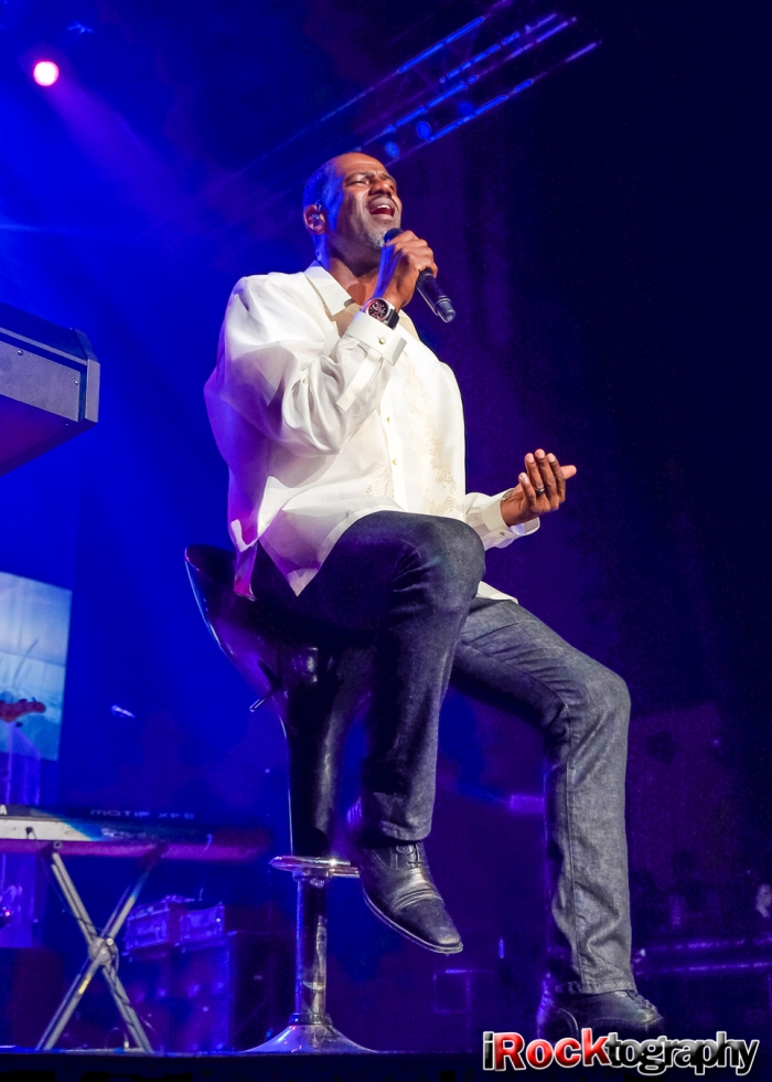 Brian McKnight, live in Manila
