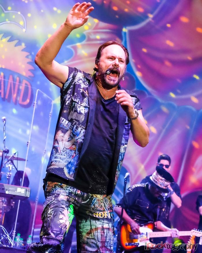 KC and the Sunshine Band, live in Manila...