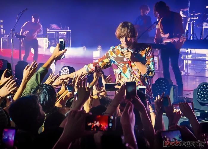 Phoenix, live in Manila